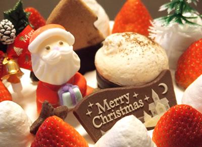 聖夜を彩るクリスマスケーキ