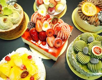 夏期限定のアントルメ・グラッセ(アイスケーキ)が新発売!ケーキとジェラートのコラボ!見た目も味も贅沢なアイスケーキです。